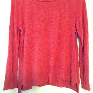 Long sleeve comfy light material shirt